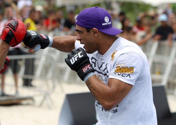 vitor-belfort-anthony-johnson-open-workout-01