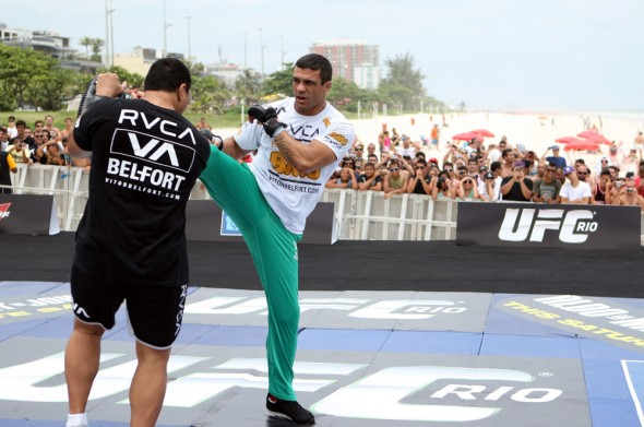 vitor-belfort-anthony-johnson-open-workout-03