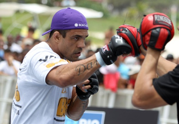 vitor-belfort-anthony-johnson-open-workout-04