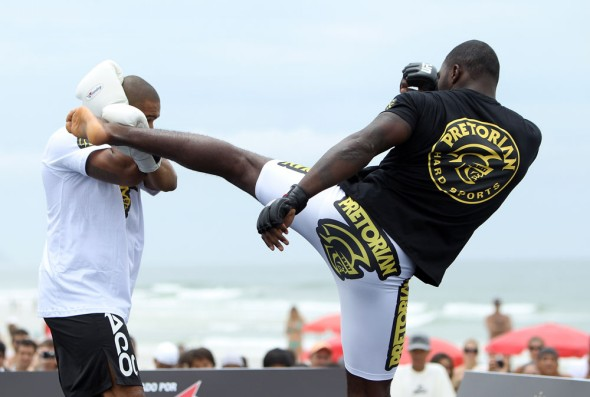 vitor-belfort-anthony-johnson-open-workout-08