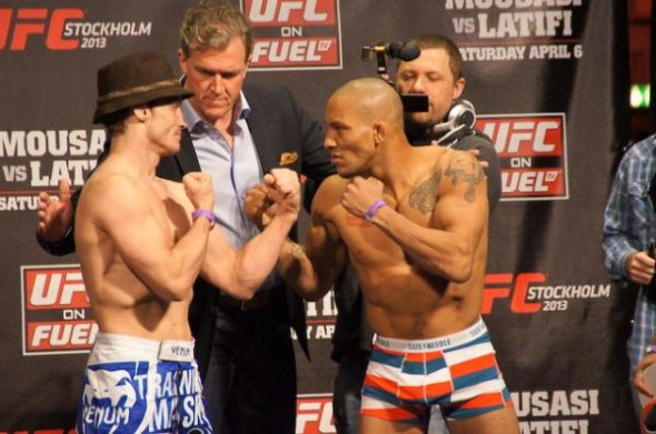 brad-pickett-mike-easton-weigh-in