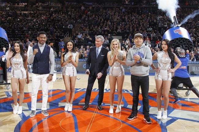 Головкин иДжейкобс провели презентацию боя впроцессе  матча НБА